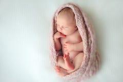 Bambino appena nato addormentato Immagini Stock