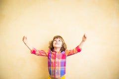 Bambino in autunno Fotografia Stock Libera da Diritti