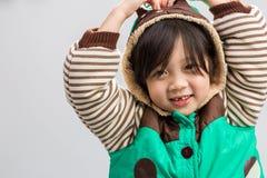 Bambino in cappotto di inverno fotografia stock libera da diritti