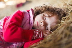 Bambino che dorme pacificamente Fotografie Stock Libere da Diritti