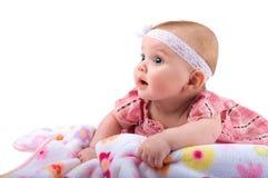 Bambino che esamina lo spazio in bianco della copia immagini stock