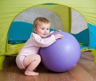 Bambino che gioca a casa Fotografia Stock Libera da Diritti