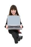 Bambino che per mezzo del computer portatile immagine stock libera da diritti