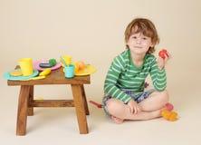 Bambino con alimento, concetto di nutrizione Fotografie Stock Libere da Diritti
