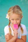 Bambino con gelato Fotografie Stock Libere da Diritti