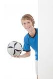 Bambino con gioco del calcio fotografia stock libera da diritti