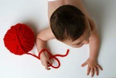 Bambino con la sfera Immagini Stock