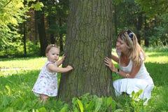 Bambino con la sua madre Fotografia Stock