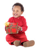 Bambino con un contenitore di regalo Fotografie Stock