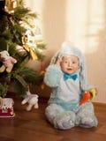Bambino in costume del coniglietto Immagini Stock