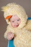 Bambino in costume del pulcino di pasqua Fotografia Stock