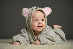 Bambino in costume del topo Immagini Stock