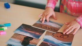 Bambino della foto di viaggio il piccolo passa i sogni fotografie stock libere da diritti