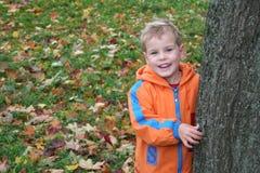 Bambino di autunno fotografia stock libera da diritti