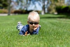 Bambino di distensione Fotografie Stock