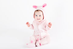 Bambino divertente sveglio vestito come coniglietto di pasqua fotografia stock