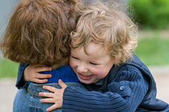 Bambino e mummia-felice insieme Fotografia Stock