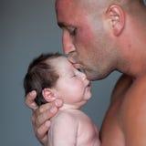 Bambino e papà Immagini Stock Libere da Diritti