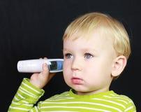 Bambino e termometro malati Fotografia Stock Libera da Diritti