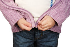 Bambino in giovane età che impara Zipper Immagini Stock Libere da Diritti