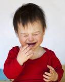 Bambino gridante fotografia stock