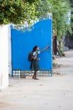 Bambino indiano bello pronto ad andare a scuola Fotografie Stock Libere da Diritti