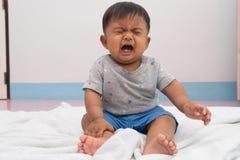 bambino infelice e gridare fotografia stock