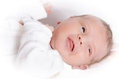 Bambino in mani della mamma Immagini Stock Libere da Diritti