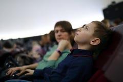 Bambino nel cinema della cupola Fotografia Stock Libera da Diritti