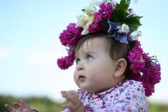 Bambino nel diadem del fiore Immagine Stock Libera da Diritti