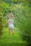 Bambino nel giardino Fotografia Stock Libera da Diritti