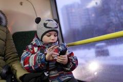Bambino nel tram Fotografie Stock Libere da Diritti