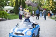 Bambino nell'automobile Fotografia Stock Libera da Diritti