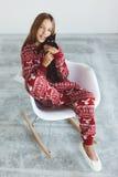 Bambino in pigiami di inverno Fotografie Stock