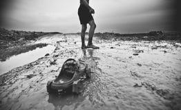 Bambino povero in Cambogia che sta giocando sulla via Fotografia Stock Libera da Diritti