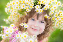 Bambino in primavera immagine stock