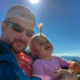 Bambino Ragazza padre famiglie Sun emozioni Selfie fotografia stock