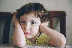 Bambino, rancore, violenza, legge, protezione, triste, ragazza, piccolo, delicata Fotografie Stock Libere da Diritti