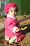 Bambino in sabbiera Immagini Stock Libere da Diritti