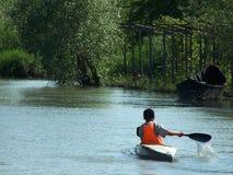 Bambino sulla barca Fotografia Stock Libera da Diritti