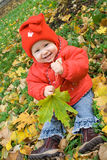 Bambino sulla terra immagine stock libera da diritti