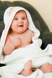 Bambino in tovagliolo fotografia stock libera da diritti