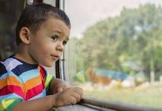 Bambino in treno Fotografia Stock Libera da Diritti