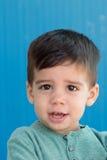 Bambino triste con due anni gridare Fotografia Stock