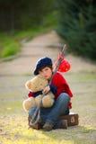 Bambino triste solo Fotografie Stock Libere da Diritti