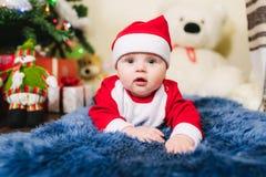 Bambino vestito in Santa Claus Immagini Stock