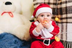 Bambino vestito in Santa Claus Fotografie Stock Libere da Diritti