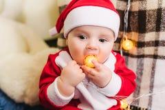 Bambino vestito in Santa Claus Fotografie Stock