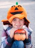 Bambino vestito in su per Halloween fotografia stock libera da diritti