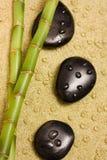 Bamboe en zen stenen royalty-vrije stock foto